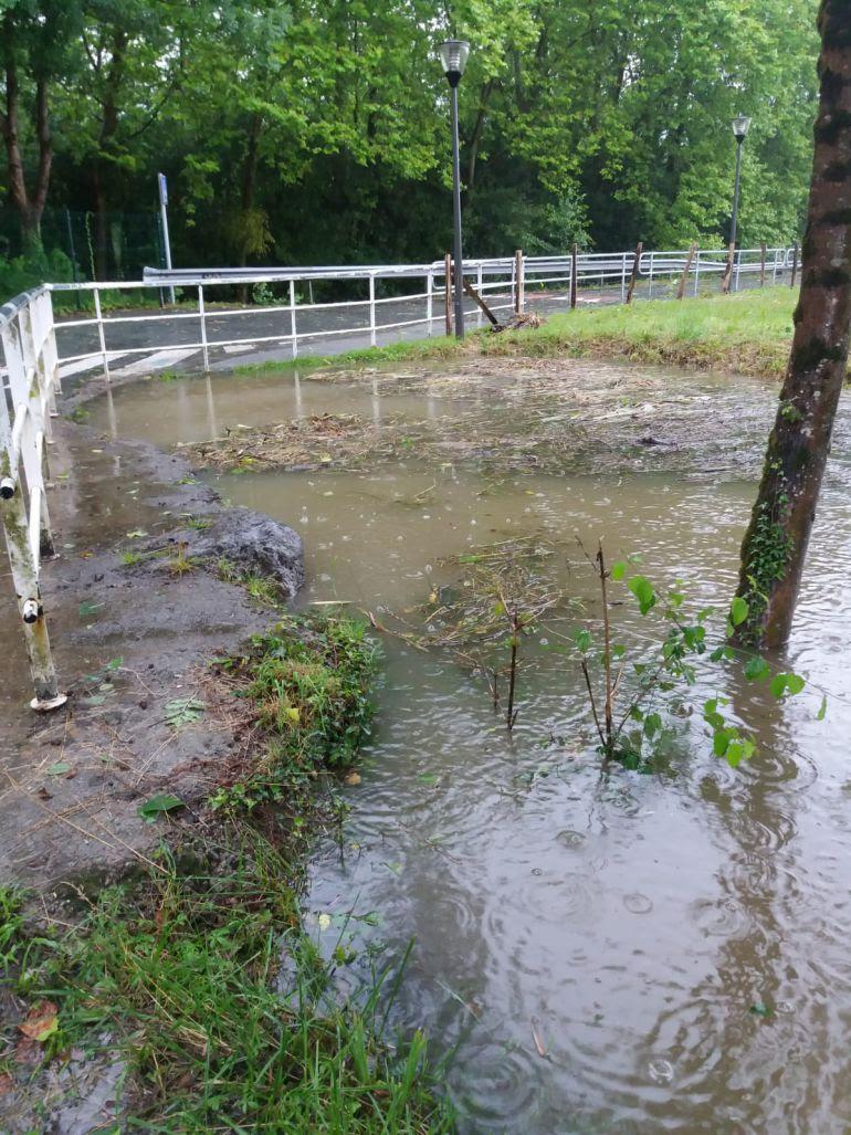 Zona inundada a consecuencia de las lluvias en Irun