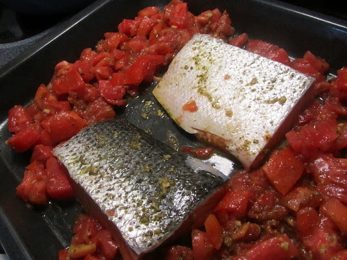 Pesto Baked Salmon & Tomatoes