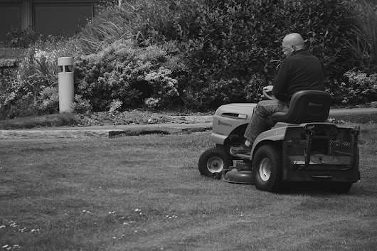 Do You Need Car Insurance for Lawnmowers or Mobility Scooters? - Park Insurance