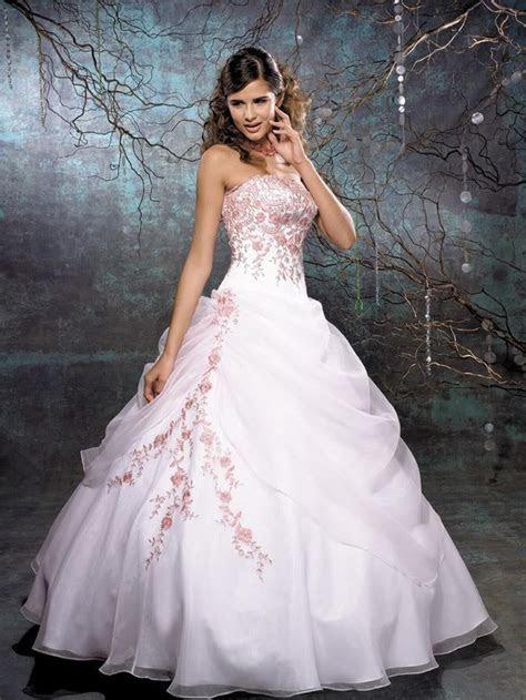 Unusual East Wedding Dresses Designs   Colours Of Life