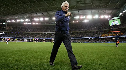 Mick Malthouse sacked as Carlton coach