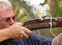 Os mosquetes Matchlock foram as armas de fogo iniciais mais comuns