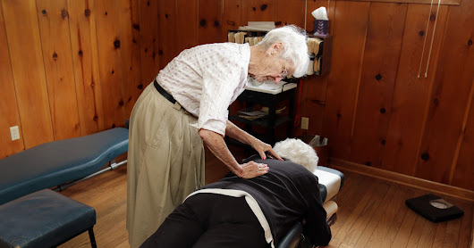 91-year-old chiropractor has been making adjustments for 70 years
