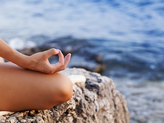 7 Ways To Meditate Properly While On The Go, So Even The Busiest People Can Feel Zen