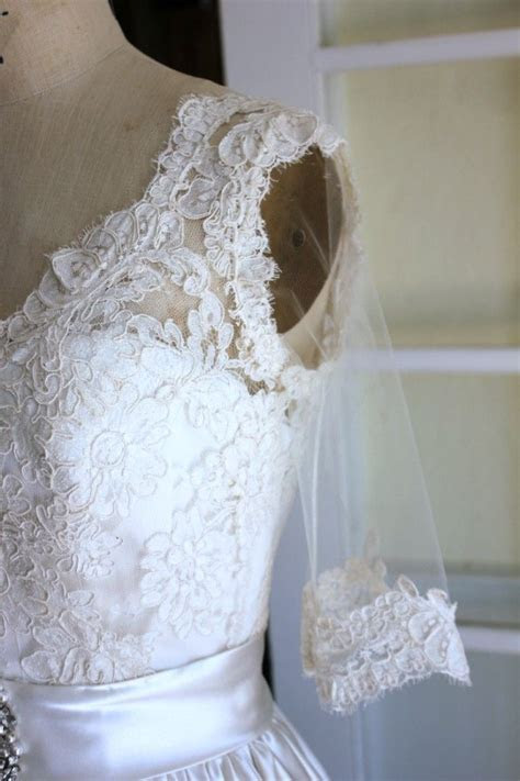 Adding a lace overlay to a wedding gown   Sew Featured