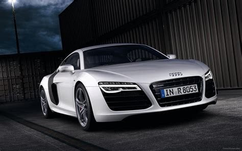 Audi R8 V10 Plus 2013 Widescreen Exotic Car Photo #17 of 38 : Diesel Station