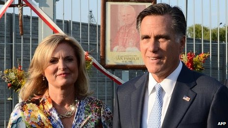 Ann Romney (left) and Mitt Romney (right) in Gdansk, Poland 30 July 2012