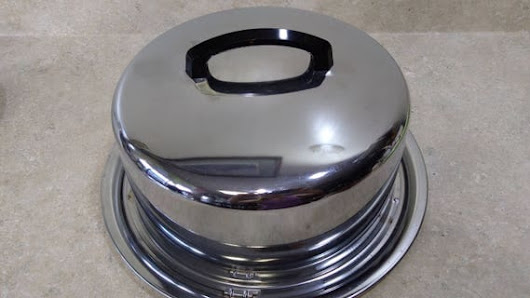 Everedy 1950's Chrome Interlocking Cake Carrier Keeper