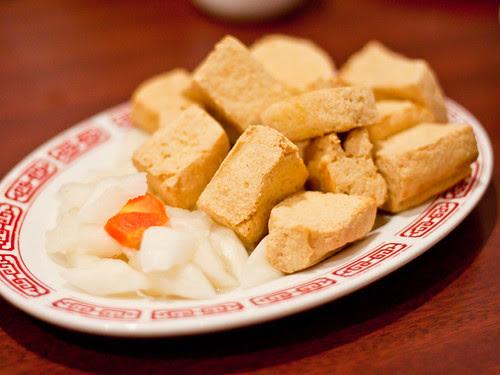 Stinky tofu (臭豆腐)