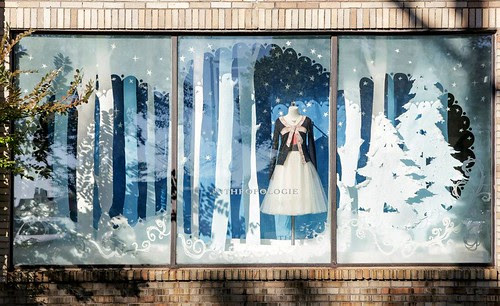 anthropologie-windows-wayne-pa-holidays-2012