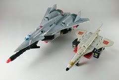Transformers Silverbolt Universe Ultra vs. Silverbolt G1