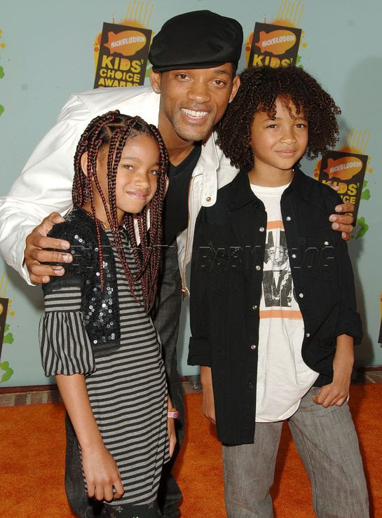 will smith family photo. Will Smith working on letting