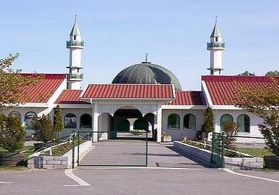 8 - المركز الإسلامي