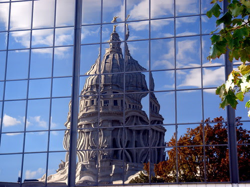 Wisconsin State Capitol, reflection