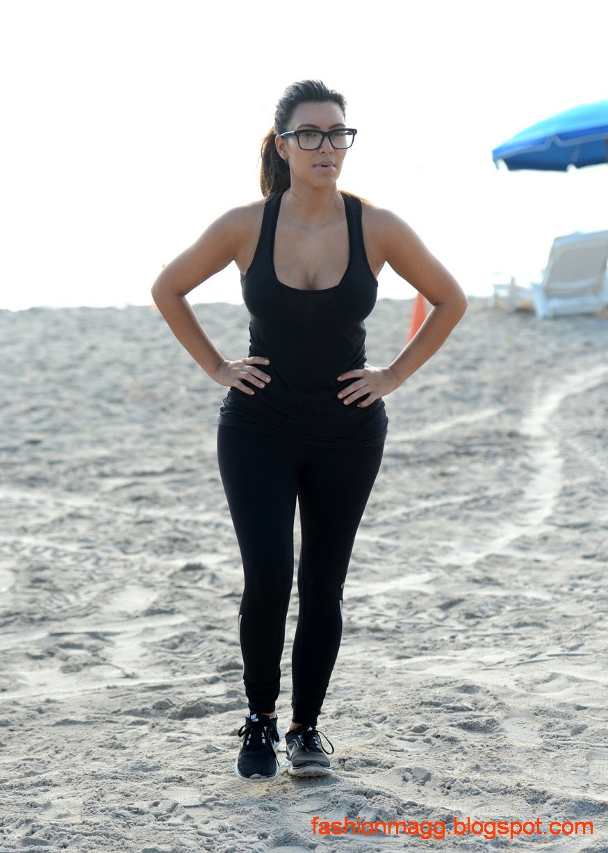 Kim-Kardashian-on-the-Morning-Walk-on-a-Beach-in-Miamii-Photoshoot-1