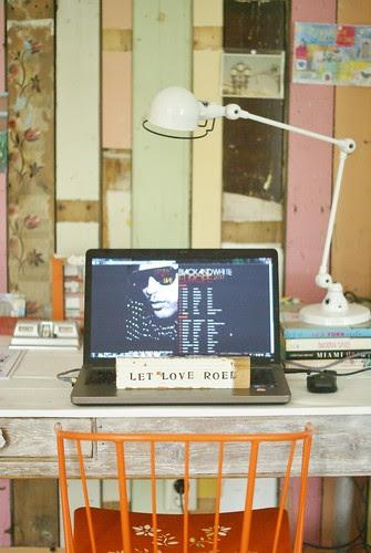 [let love rule] by wood & wool stool