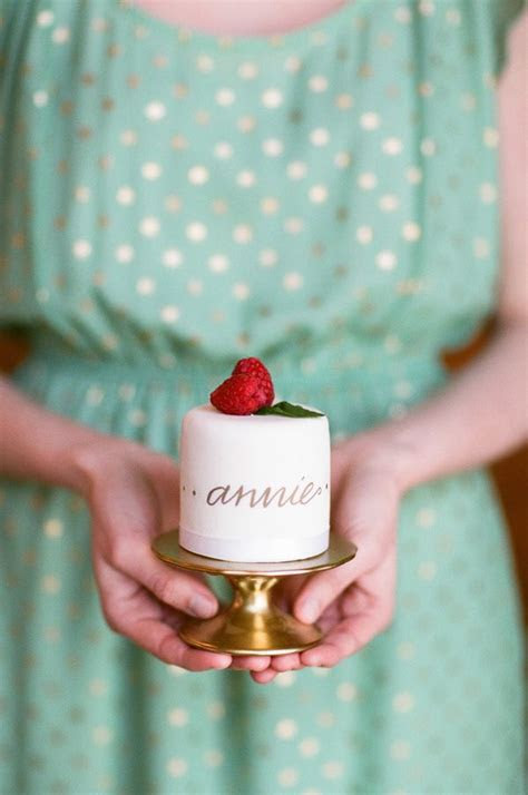 20 Mini Wedding Cakes Too Good To Eat! Plus Tutorials