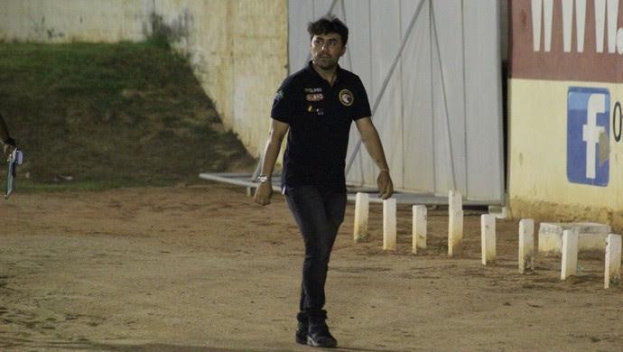 Luizinho Lopes técnico do Globo FC (Foto: Fabiano de Oliveira/GloboEsporte.com)