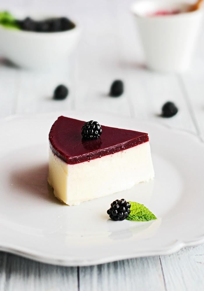 tarta de queso con gelatina de mora
