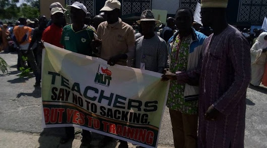 Kaduna Again Shutdown by Protesting Teachers, NLC, Pupils – Pictures | Echoes of Hope