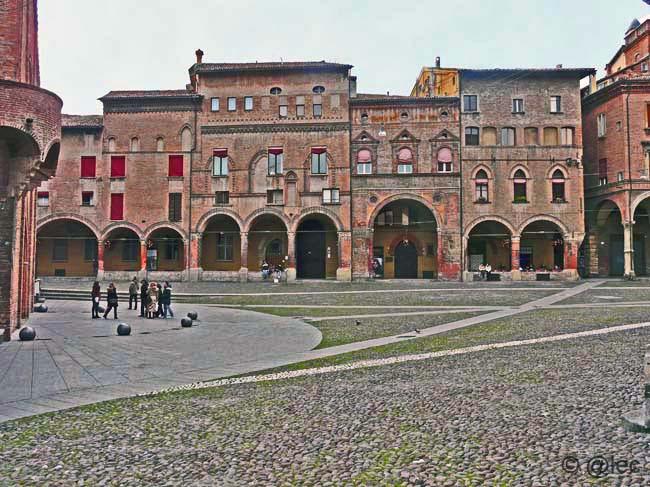 piazza Santo  Stefano a Bologna