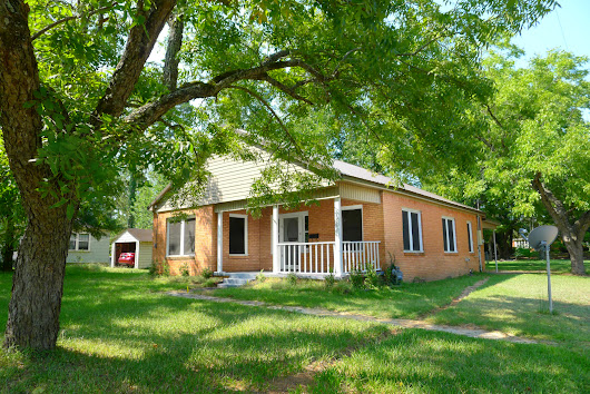 FOR RENT 2 Bed 1 Bath House- 1501 Crockett Rd, Palestine, TX | Palestine Real Estate & Palestine TX Homes For Sale | BuyPalestine.com