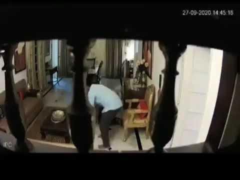 मध्य प्रदेश पत्नी को पीटने के मामले में स्पेशल डीजी पुरुषोत्तम मिश्रा कार्यमुक्त,  पत्नी को लात घुसा से पीटने का वीडियो वायरल होने के बाद कार्यवाही