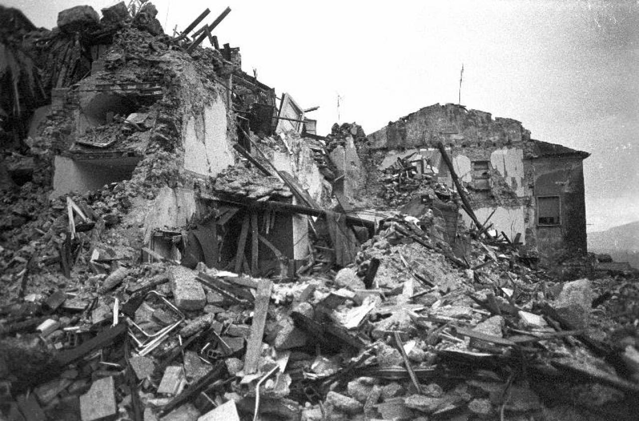 Risultati immagini per terremoto irpinia
