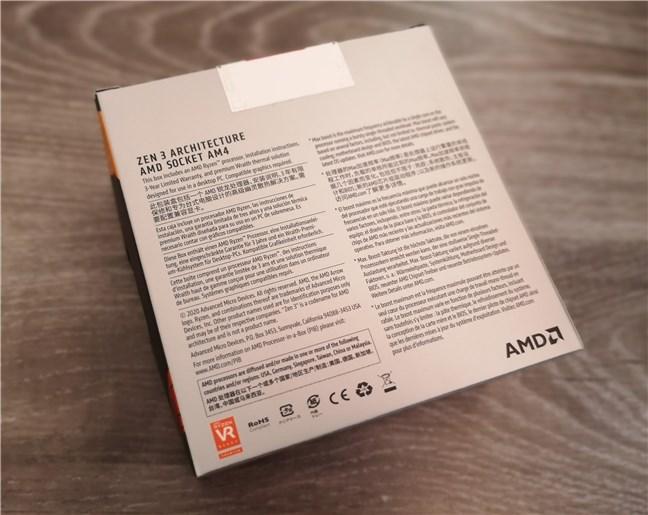 AMD Ryzen 5 5600X: la parte posterior de la caja