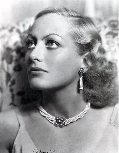 JOAN CRAWFORD pearls  #hollywoodgreats