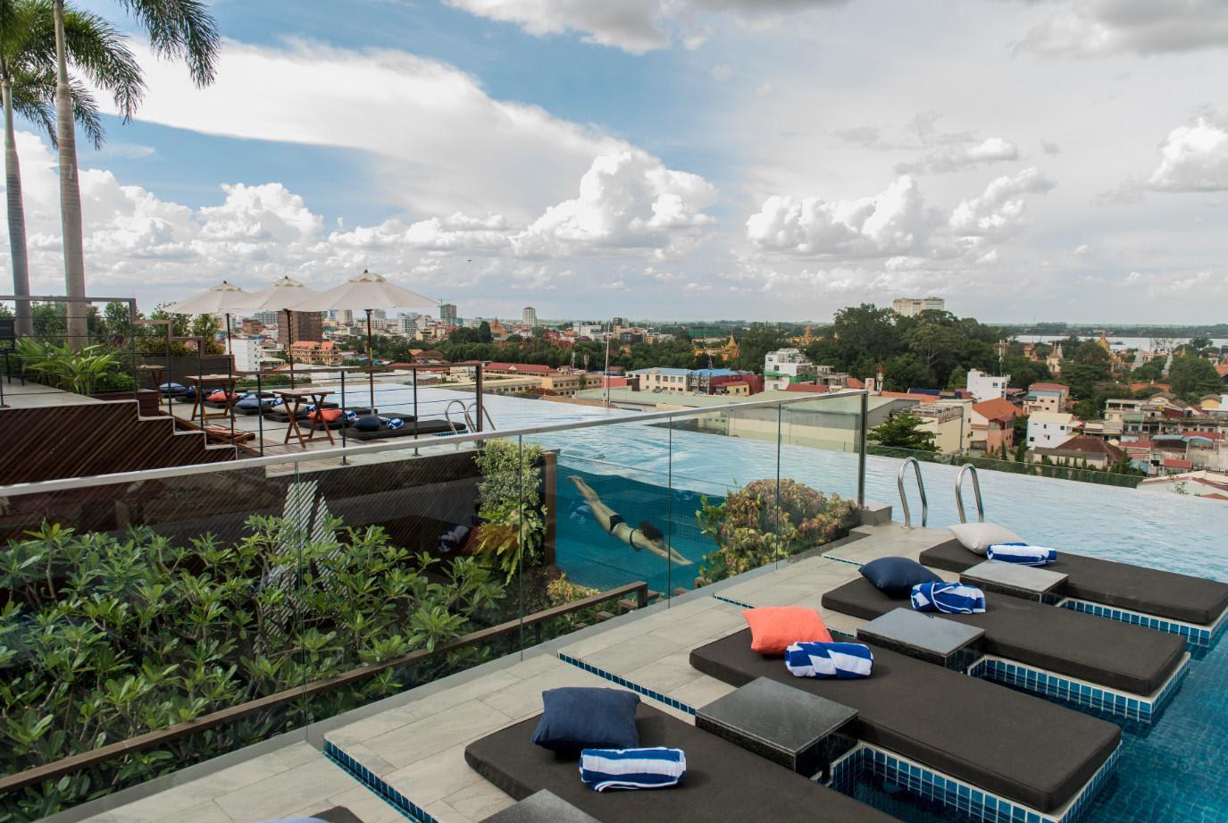 Aquarius Hotel & Urban Resort Reviews