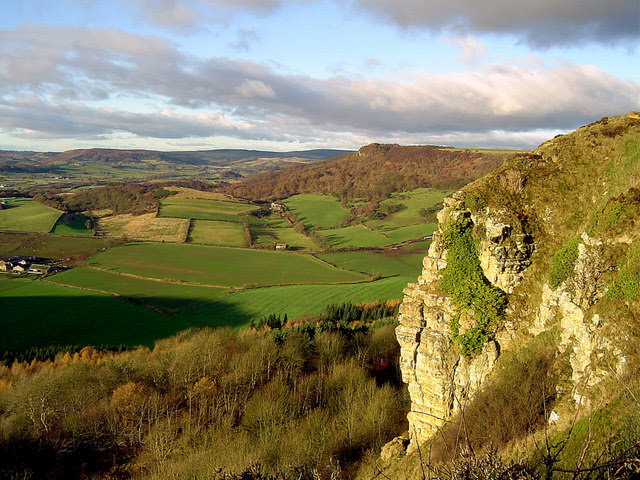 File:Views from Roulston Scar - geograph.org.uk - 159492.jpg