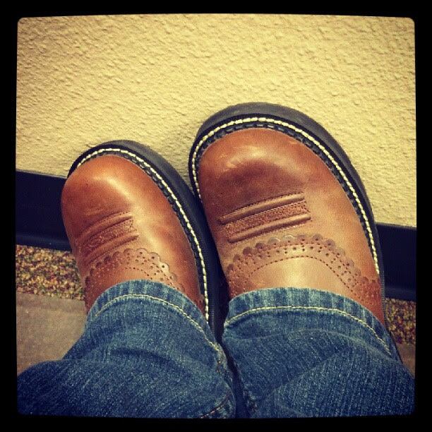 All is right in the world again. I have new boots.