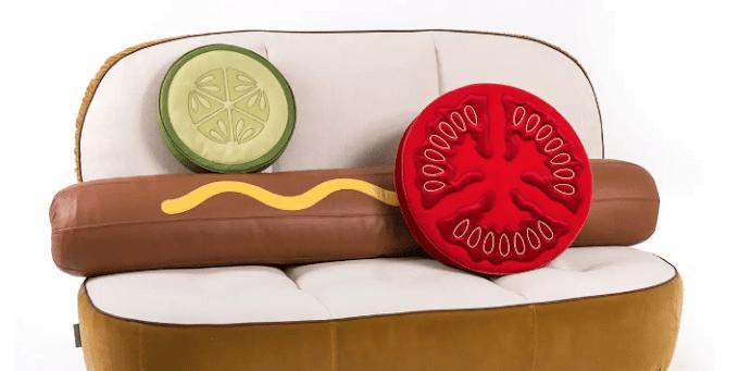 Ένας καναπές, Hot Dog