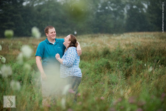 Meghan & Hunter's Rainy Day Engagement Portrait Session