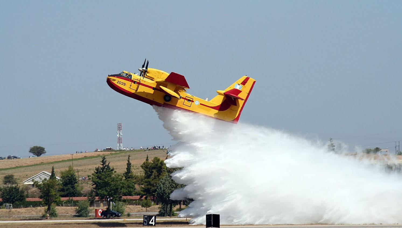 Αποτέλεσμα εικόνας για ελληνικα πυροσβεστικα αεροπλάνα