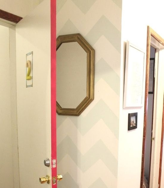 30 Cheap And Easy Home Decor Hacks Are Borderline Genius: Home Decor Photos: Paint The Sides Of Your Door For A