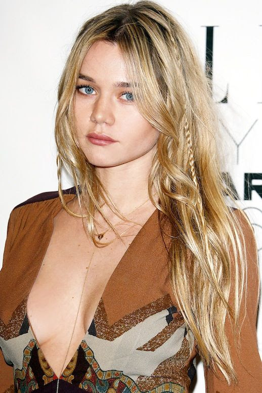 Le Fashion Blog Hair Crush Model Immy Waterhouse Blonde Boho Chic Long Waves Mini BraidsVia Harpers Bazaar