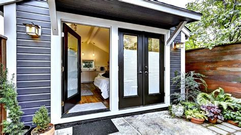 tiny house mix  modern  cozy rustic interior design