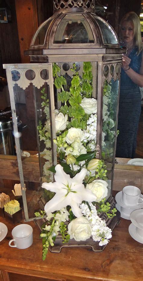 lantern flower arrangement fall outdoor wedding ideas