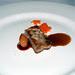 Costelló de porc, cebetes de platillo, taronja sanguina, pastanaga, rostillons i sagí