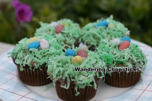 Robin's Egg Nest Easter Cupcakes 1