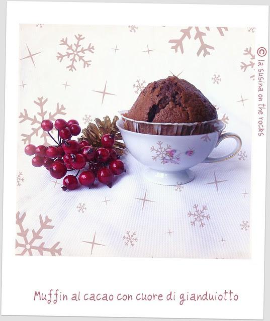 Muffin al cacao con cuore di gianduiotto