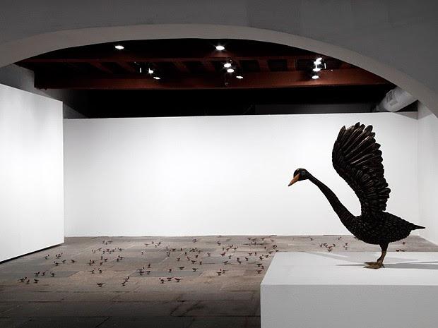 Cisne Negro,  do artista cearense Efrain Almeida, vai ser exposto no MAM-BA (Foto: Divulgação)
