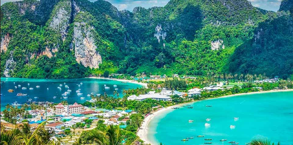 Access restriction continues on Phi Phi Island, Krabi