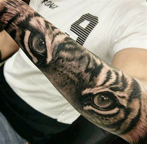 pin  serban laurentiu  xcv tiger eyes tattoo tiger