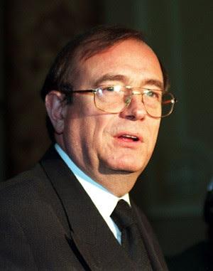 O parlamentar britânico John Sewel, em foto de 1997 (Foto: Suzanne Hubbard/PA)