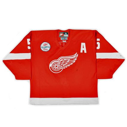 photo Detroit Red Wings 1997-98 F jersey_1.jpg