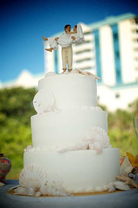 BEACH WEDDING CAKES FOR FLORIDA DESTINATION WEDDING