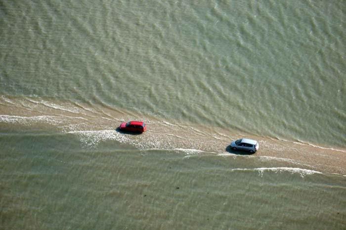 Passage du Gois: Δρόμος στην Γαλλία εξαφανίζεται κάτω από το νερό δυο φορές την ημέρα (1)